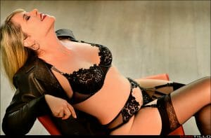 Lillian West - Luxury Companion Fly Me to You - Mature Sensual